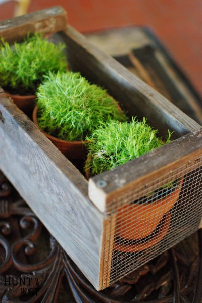 Magnolia Market inspired farmhouse crate DIY tutorial. Get Fixer Upper style on the cheap!