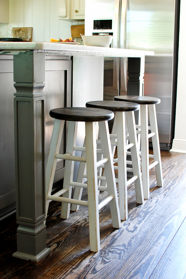 Cheap to chic bar stool makeover. See how quick and easy you can transform projects with a paint sprayer and tent. A paint spray tent provides protection and easy clean up for a messy painter like me.
