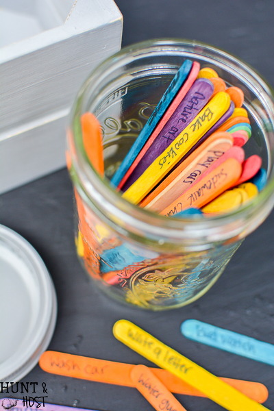 I'm bored...the words that mom's hate to hear! Make a jar for those boring moments full of FREE things for kids to do this summer!
