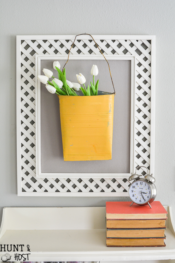 Tips for easy DIY art you can freshen up your old picture frames with! Two ideas for DIY artwork on a budget.