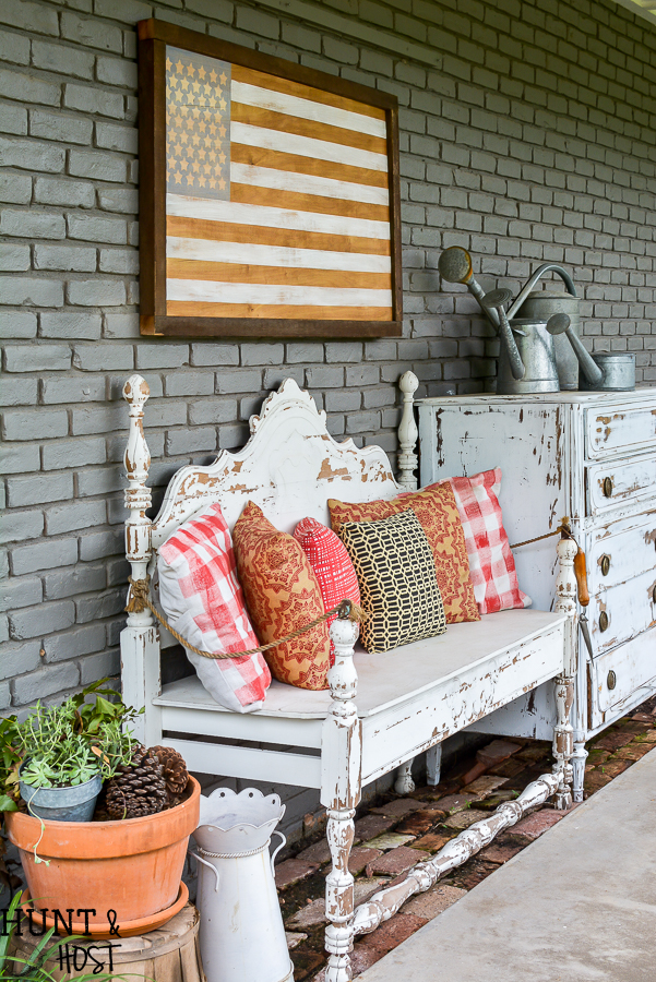 How to get crisp lines when painting your DIY American flag decor on wood. Easy tips for Frogtape projects plus a gorgeous neutral American Flag decor idea. #americanFlag #4thofJuly #patrioticDecor #Frogtape #WoodSign #StarsandStripes #July4thdecor #IndependanceDay #summerproject #summerdecor