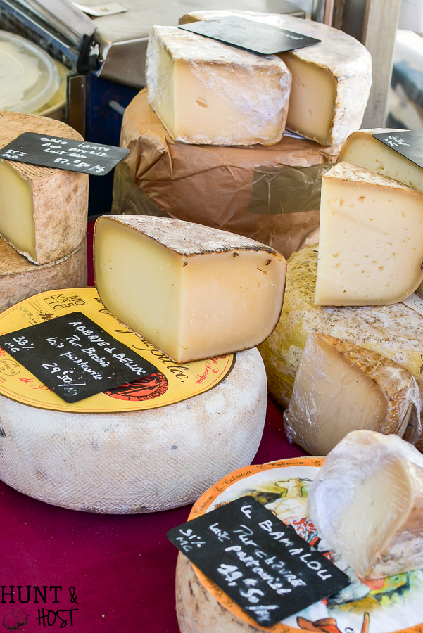 Planning a trip to France, add these french excursions to your vacation itenerary. Visit Saint Emilion and Perigueux for a fun and gorgeous French adventure. #travelFrance #FrenchCountry #Frenchvacation #FrenchExcursion #TheAcademy #Frenchmarket
