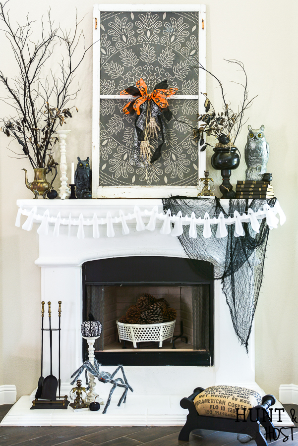 A gorgeous vintage farmhouse Halloween can be achieved with even the tightest budget. See this finance friendly ideas to get your home decorated for Halloween with a trendy farmhouse style mixed with vintage age and patina. The 99 Cent Only Store is your all in one spot for the perfect Halloween decorating supplies. #dothe99 #99obsessed #vintageHalloween #budgetHalloweendecor #halloweentable #halloweendecoratingideas #halloweenmantel