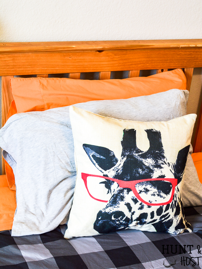This smarty pants giraffe with glasses is the perfect addition for a kids room or eclectic home decor setting. Find affordable pillows here! #giraffeart #giraffe #pillowcover #eclecticstyle #kidspillow #tweenboyidea