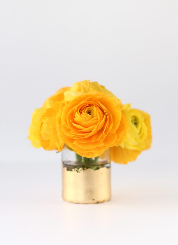 mini gold flower arrangement centerpiece idea for wedding